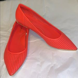 Coral Super Cute Flats Sz 8w